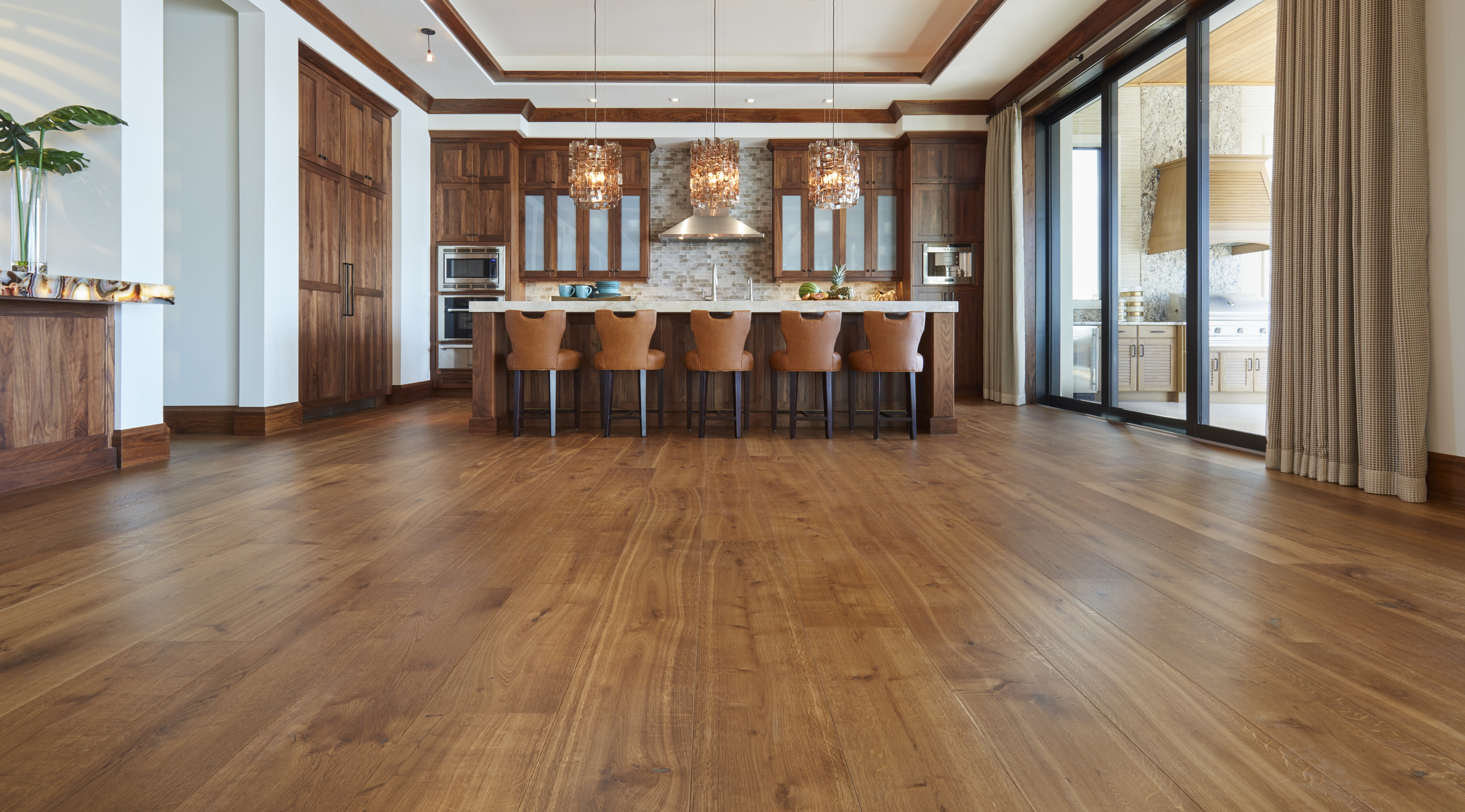 The Benefits of Using a Natural Finish on Your Hardwood Floors